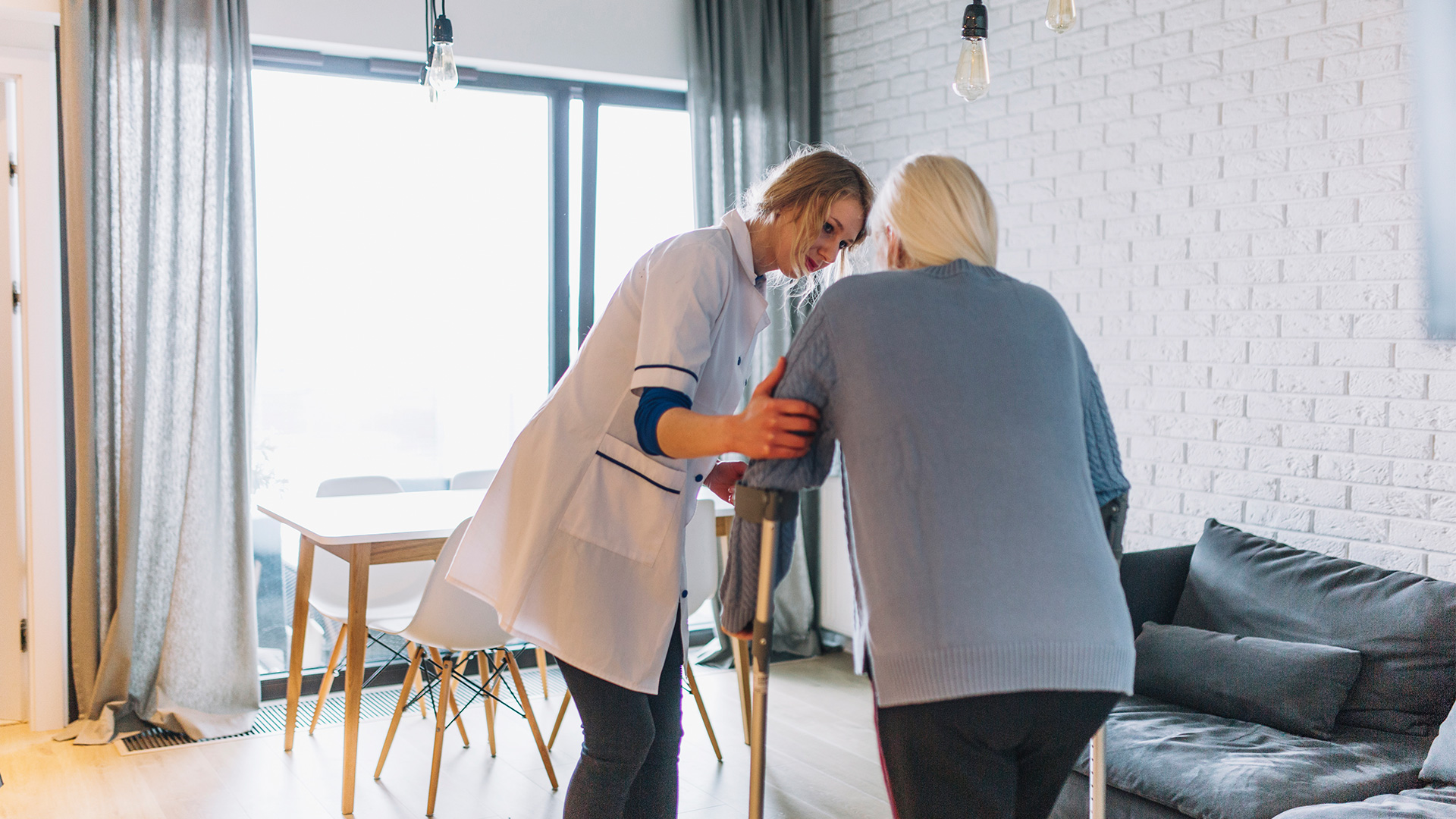 With a tailored skilled nursing plan of action including restorative nursing, we'll ensure that you work towards your recovery goals in a healthy manner.